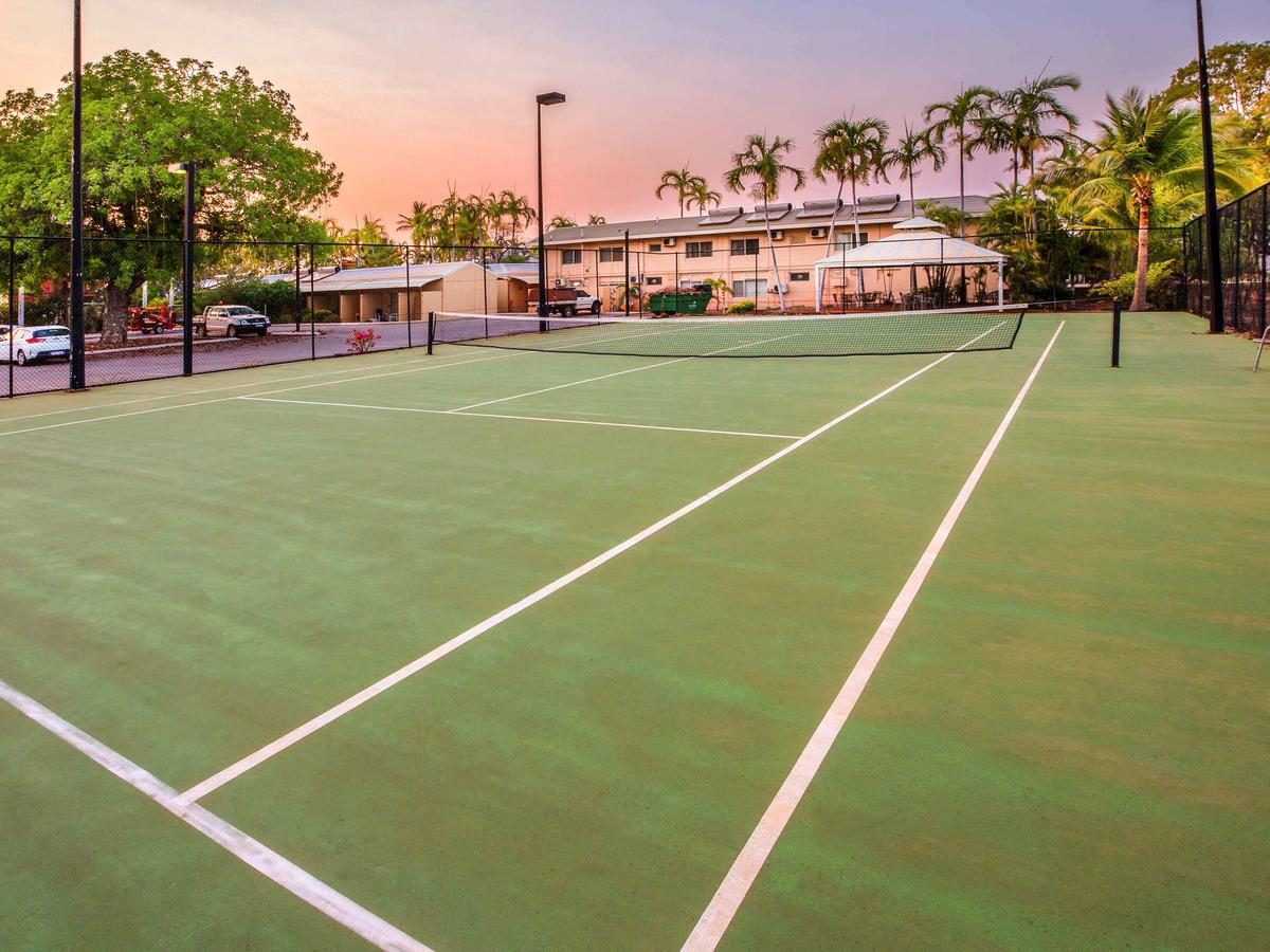 Continental Hotel tennis courts